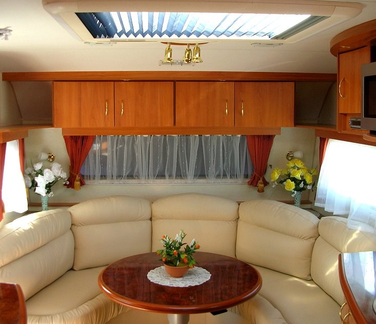 Caravan Interior @ ExplorOz Articles