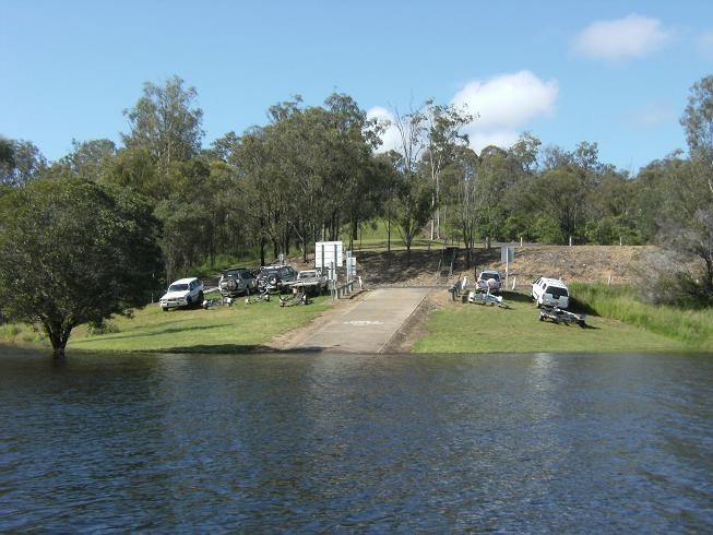 How far is Thredbo NSW 2625 from Moree NSW
