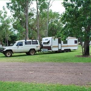 Corroboree Park Inn Caravan Park