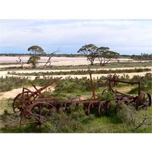 Salt harvesting machinery