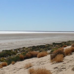 Lake Eyre at Level Post Bay
