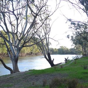 Beside the Murrumbidgee River - First night on the road