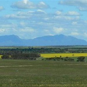 Approaching the Stirling Ranges from the north
