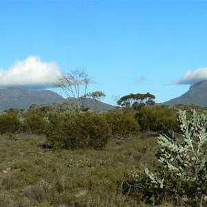 Caps of cloud form over Bluff Knoll