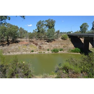 New(er) bridge over Darling River, Wilcanna