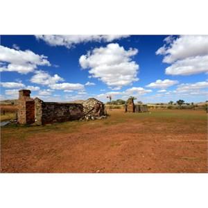 Ruins - Yunta to Hawker Road