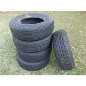 5 Used tyres. Dunlop Grandtrek 255/70R16 111T.