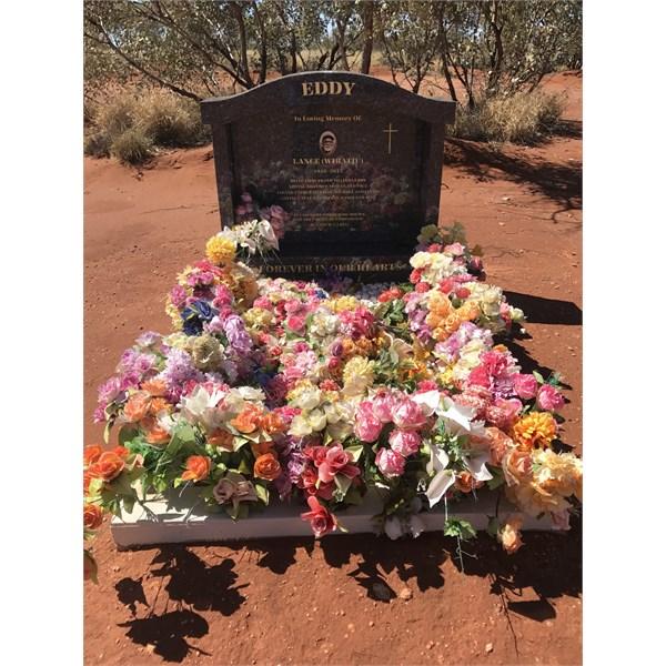 Eddys Grave.