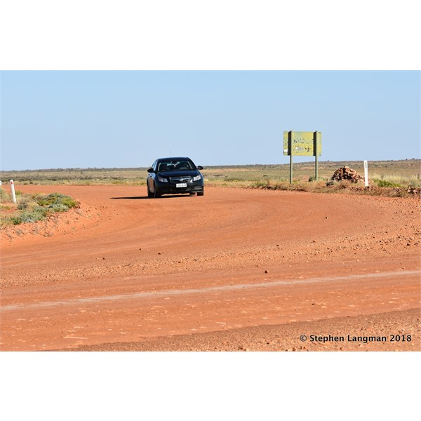 Now what do I spy here on the Oodnadatta Track....a Holden Astra with stock standard road tyres
