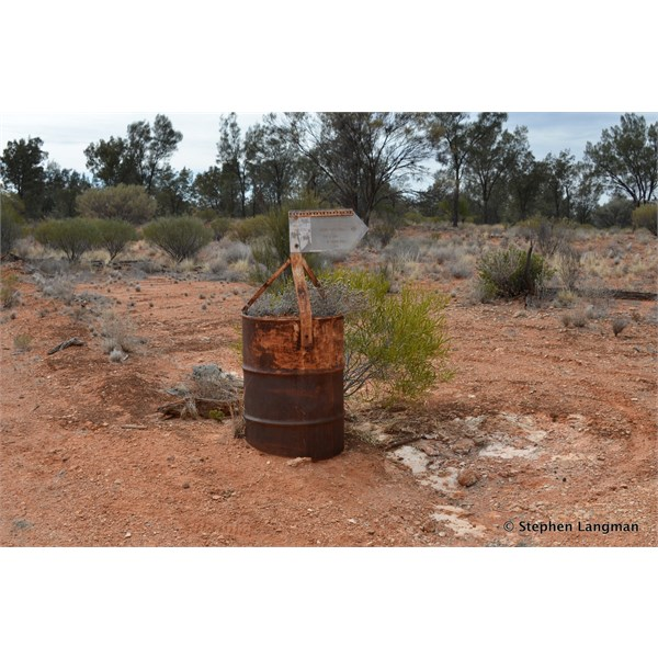 Old fuel drum and Len's Sign into Bryngina Native Well