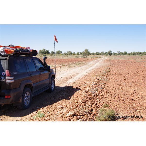 Heading up to Eyre Creek in the Simpson