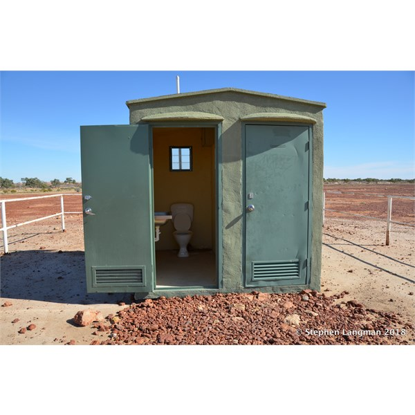 There are even Toilets at the free camp at the Inside Track Turn Off