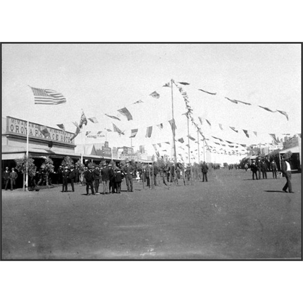 Empire Day celebrations in Hack Street, 1909