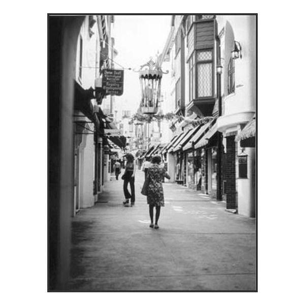 Shops, London Court Arcade, Perth, 1976