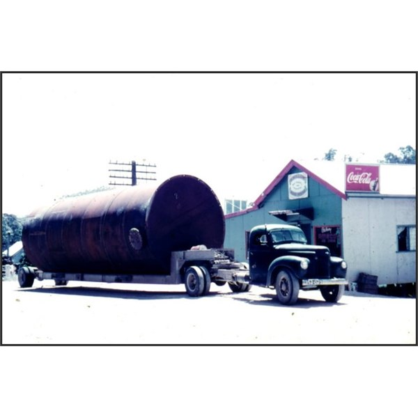 An oversized load 1950s style at  the Willow Roadhouse , Chain of Ponds