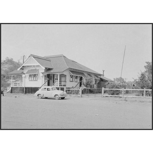 Holden 48-215 at Chillagoe Post Office