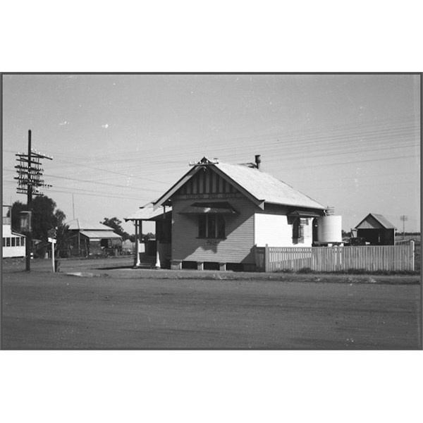 Isisford Post Office  1940
