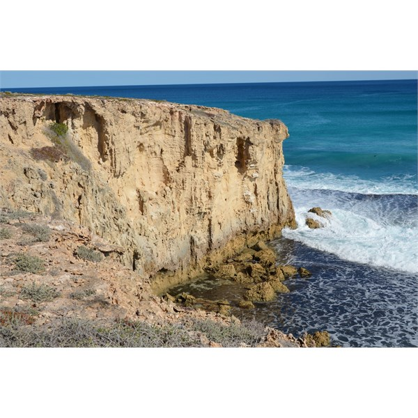 Cliffs at the start of the Dog Fence