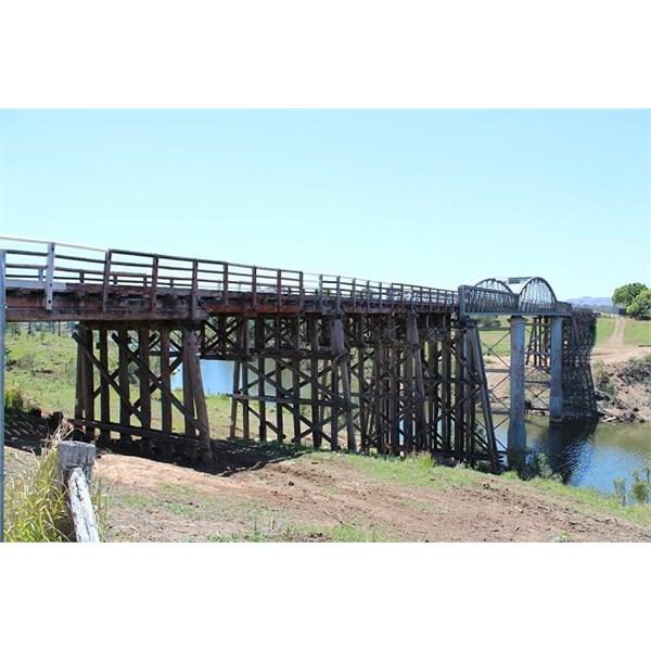 Dickabram Bridge crossing the Mary River