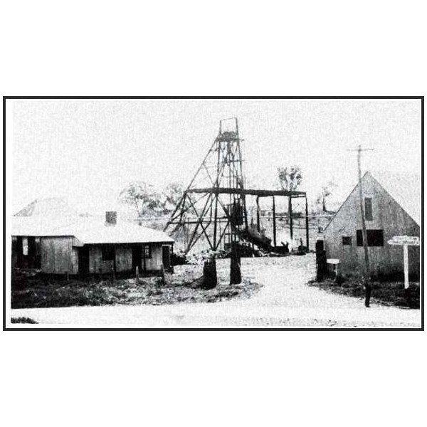 The entrance to Wentworth Main mine in 1935, with the office and pay office on the left and the equipment store on the right.