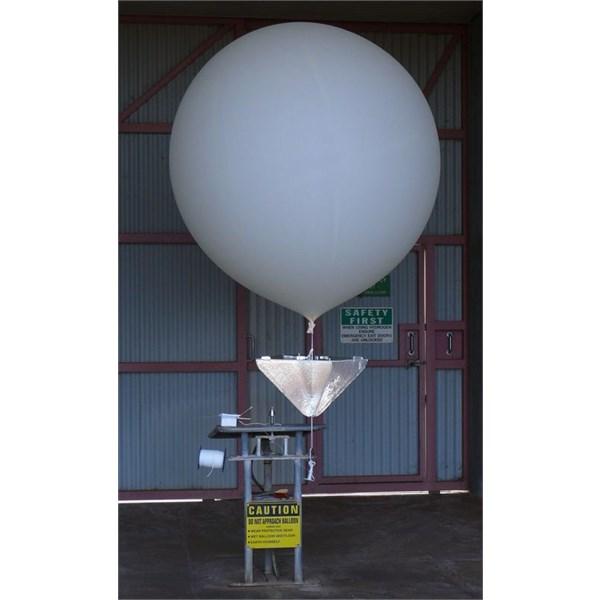 Weather balloon - Giles 2012