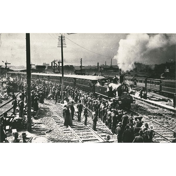 First train leaving Central Railway Station, 1906