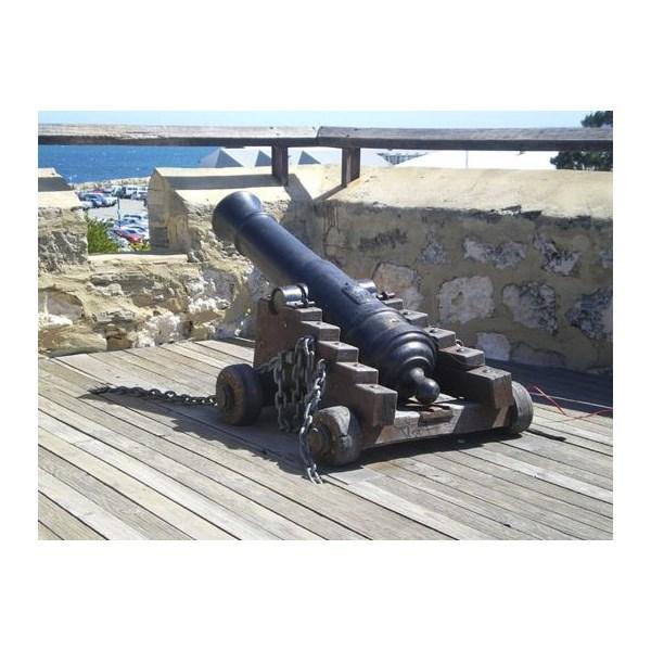 1 O'clock time Cannon