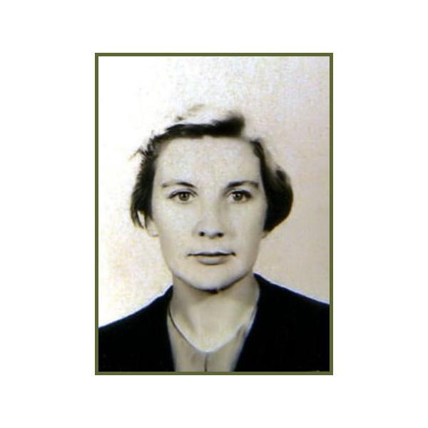 A.C.W. Margaret Jones Carey (nee Traynor), (105088) (WAAAF