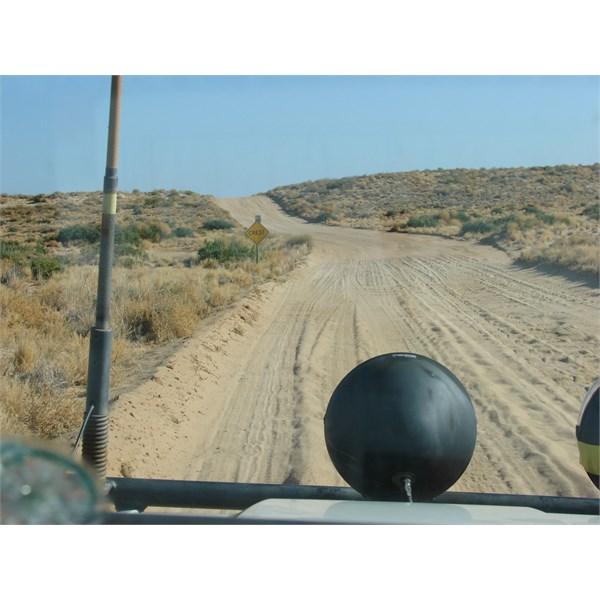 Road between Muloorina & Level Post Bay