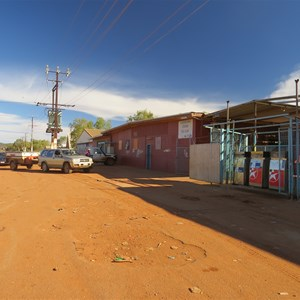 Store and servo - June 2013