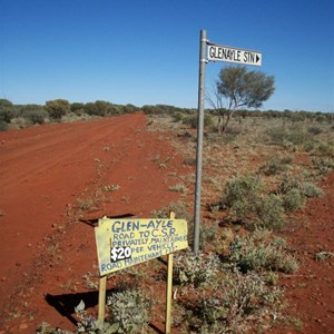 Glenayle Station turnoff Sydney Head Road