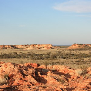 Desert's Gate from western flank of Giles Breakaway