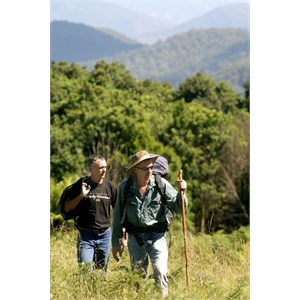Bushwalkers at Mooraback, Cottan-Bimbang National Park, Credit: J Spencer, Copyright: OEHand & www.nationalparks.nsw.gov.au