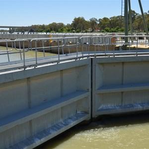 Weir & Lock 1 - Blanchtown