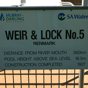 Lock 5 and Weir Renmark