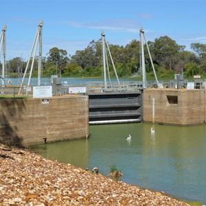 Lock 3 & Weir - Overland Corner
