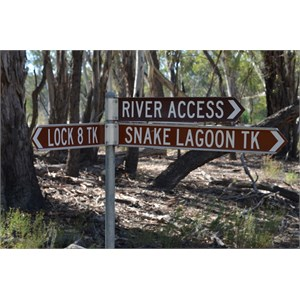 Snake Lagoon Track Turn Off - Lock 8 Track