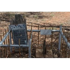 Mrs Ralton Grave & her 2 Children