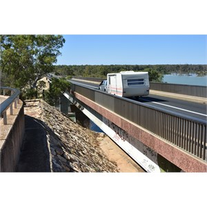 Kingston on Murray Bridge Lookout