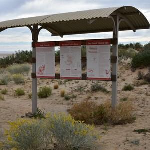 Lake Eyre Information Shelter