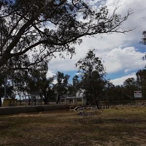 Bumbuggan Weir south camp area