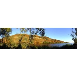 Carawine Gorge Panoramic / Copyright Di Watson Photography