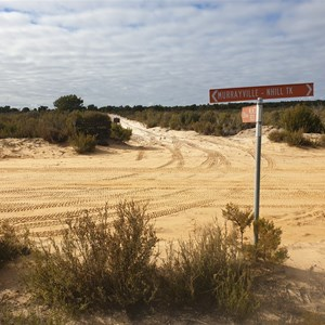 Intersection of the Milmed Track and the Murrayville Track