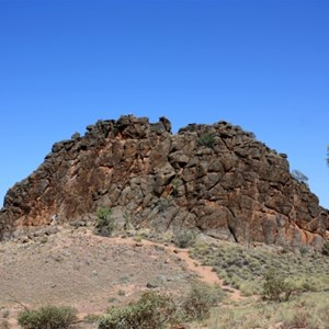 Corroboree Rock, view from the foot path