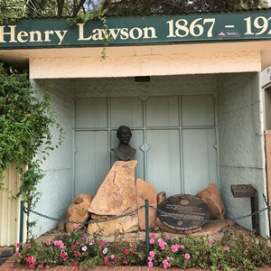 Henry Lawson Statues