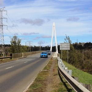 Approach to the bridge from the east
