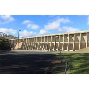 The wall of Oberon dam