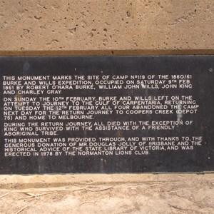 Monument text