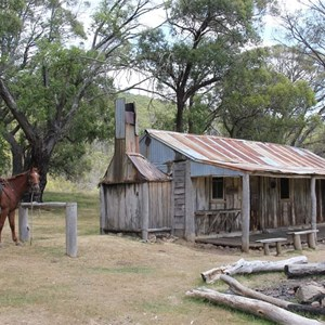 Oldfields Hut