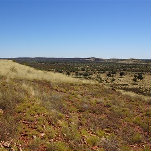 View west along and across Longs Range.  Northern arm is clearly visible a kilometre away